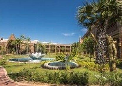 Famous Hotel Bagan