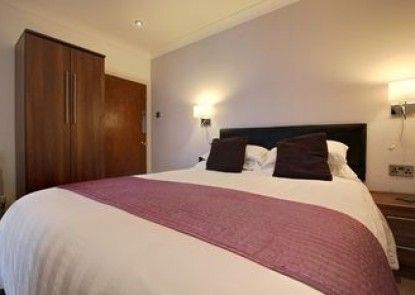 Farnham Hotel