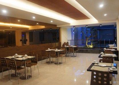 Favor Hotel Makassar Teras