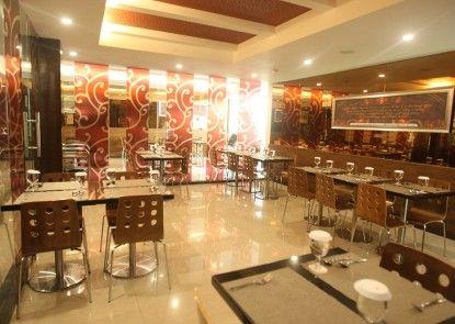 Favor Hotel Makassar Kafe