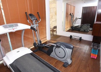 Favor Hotel Makassar Ruangan Fitness