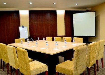 Feodora Hotel Grogol Ruangan Meeting