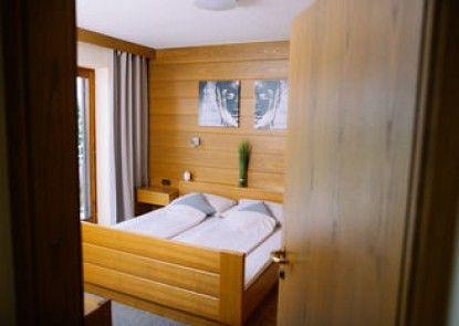 Ferienwohnungen - Appartements Pension Zollner