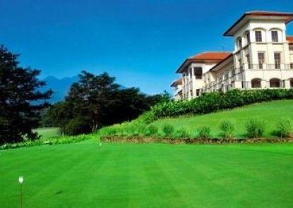 Finna Golf & Country Club Resort Teras