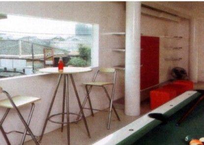 FLAT06. Minimalist Residence Rumah Makan