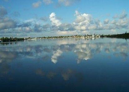 Floating Sea Cove Resort & Marina