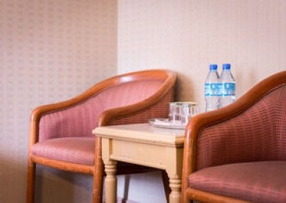 Flora Hotel Annex