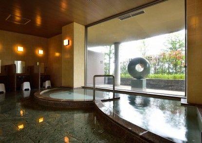 Fontaine Bleau Atami
