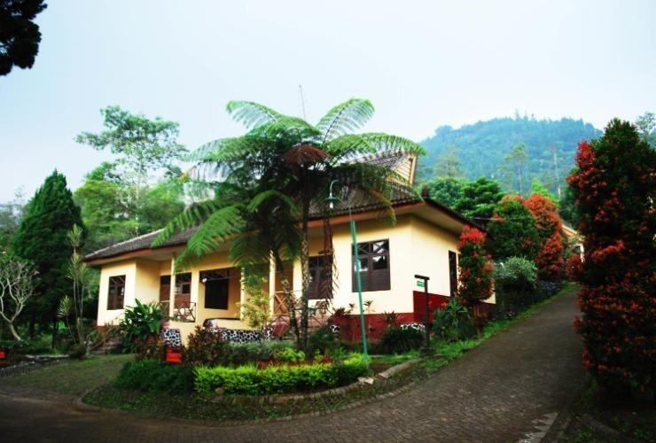 Foresta  Resort Padusan Cottage Cemara