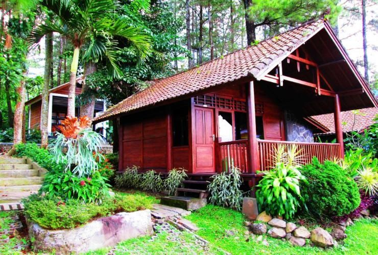 Foresta Resort Tretes Villa Wooden House, Pasuruan