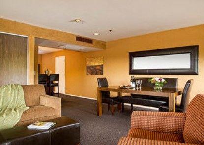 Fountaingrove Inn Hotel & Conference Center