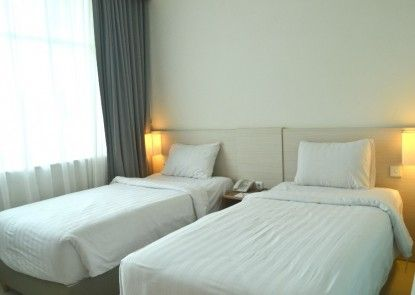 Hotel Fovere Bandara Semarang by Conary Teras