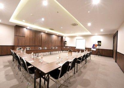 Fox Harris City Center Bandung Ruangan Meeting