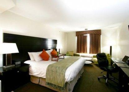 Foxwood Inn & Suites