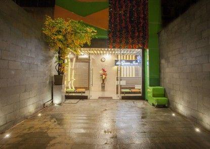 Front One Cabin Gajahmada Jakarta (Formely De Green Inn) Eksterior