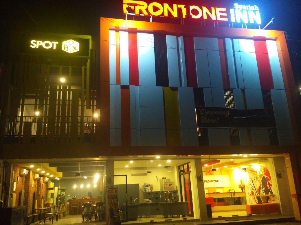 Front One Inn Syariah Jombang