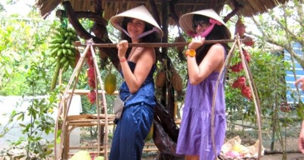 Full-day Mekong Delta Tour with Transfer Services