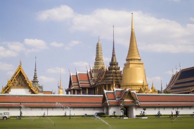 Full-day Walking Tour with Stop at the Grand Palace and Local Street Food Tasting - Private Tour