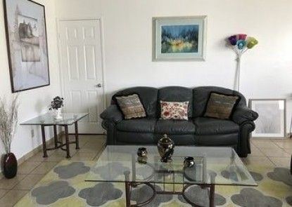 Fully Furnished Apartment in Burbank