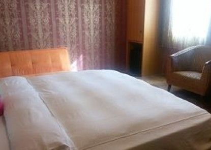Funzy Hotel