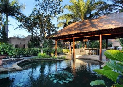 Furama Villas and Spa Ubud Bar Tepi Kolam