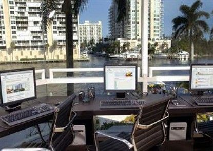 Gallery ONE Ft Lauderdale a DoubleTree Suites by Hilton Htl Teras