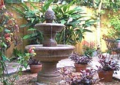 Garden District B&B Teras