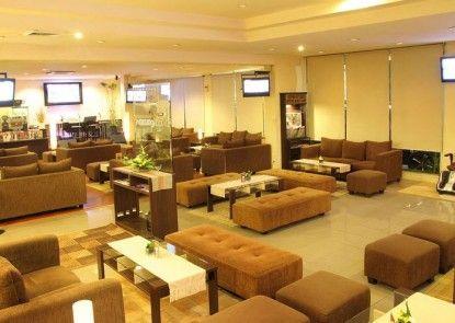 Garuda Plaza Hotel Medan Lounge