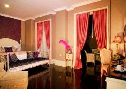 GH Universal Bandung Ruangan Suite