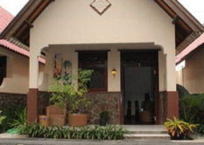 Gili Bagaz Cottages