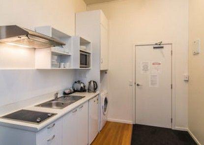 Gilmer Apartment Hotel