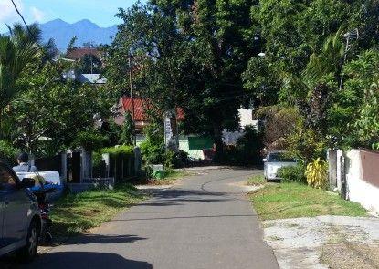 GIO Guesthouse Bogor Eksterior