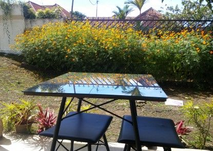 GIO Guesthouse Bogor Teras