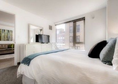 Global Luxury Suites at The Theatre District