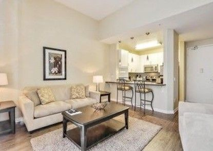 Global Luxury Suites at Lincoln Blvd