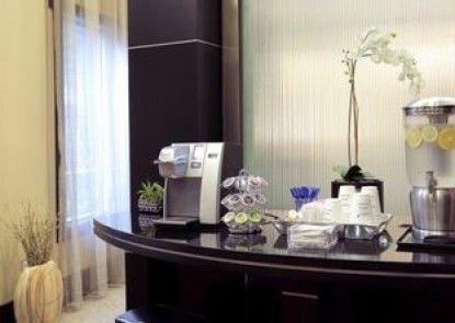 Global Luxury Suites at Main Street