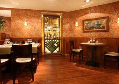 Gold Hotel Wine & Dine