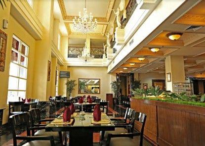 Golden Boutique Hotel Melawai Blok M Teras