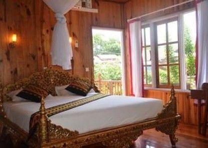 Golden Empress Hotel