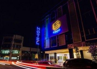 Golden Roof Hotel