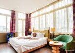 Pesan Kamar Suite Junior di Golden Sun Villa Hotel