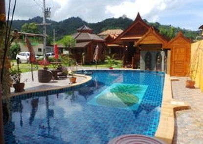 Golden Teak Resort - Baan Sapparot