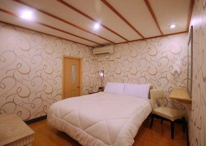 Gorgeous Hot Spring Resort