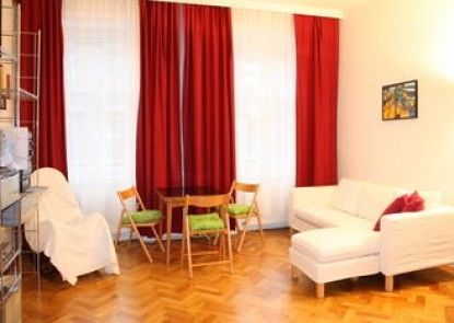 GoVienna Homelike City Apartment