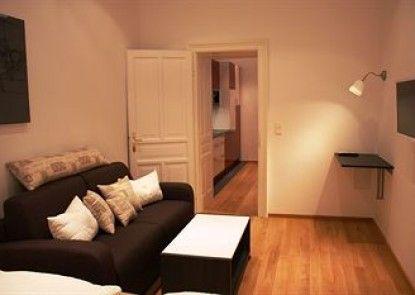 GoVienna Opera Apartment