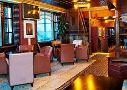 Grafton Capital Hotel