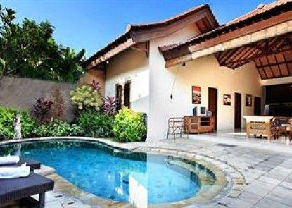 Grand Bali Villa Kolam Renang