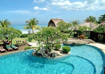 Grand Balisani Suites Hotel Kolam Renang