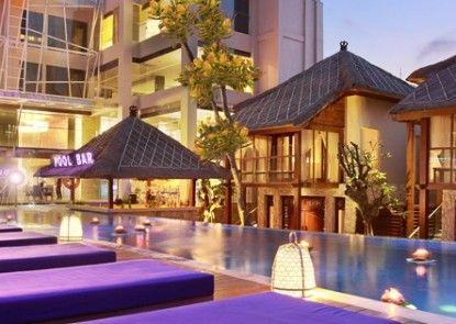 Grand Mega Resort & Spa Bali Kolam Renang