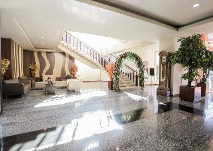 Grand Asia Hotel Makassar Lounge